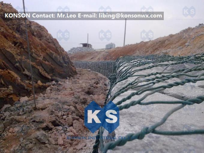 PVC Coated Galvanized Hexagonal Wire Mesh Cages , Double Twisting Grid Reinforced